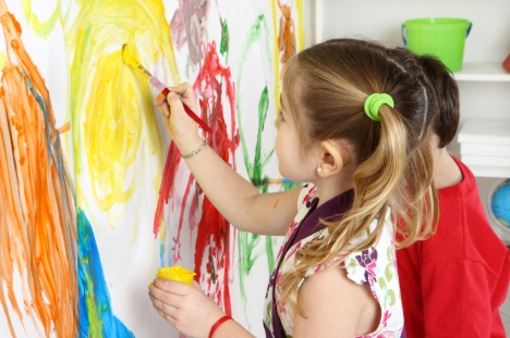 Children Finger Painting Without Fear, Homi Craft. http://homicraft.com